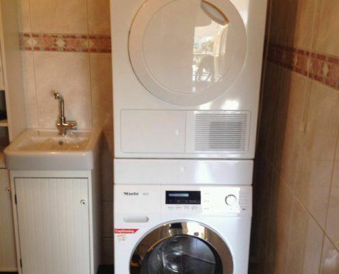 Miele wasmachine en droger installatie